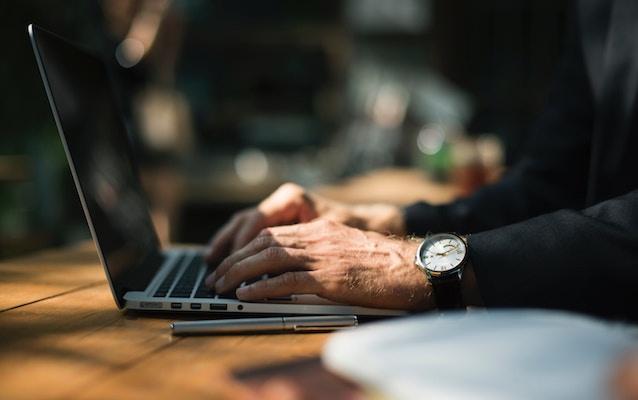 elderly-hands-typing