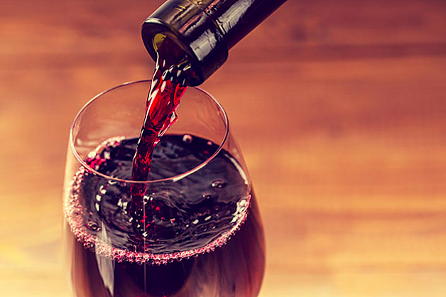 red-wine-pour.png