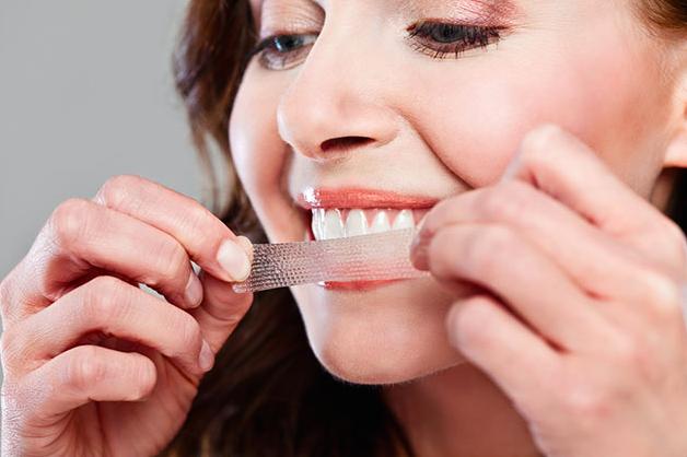 self-teeth-whitening.png