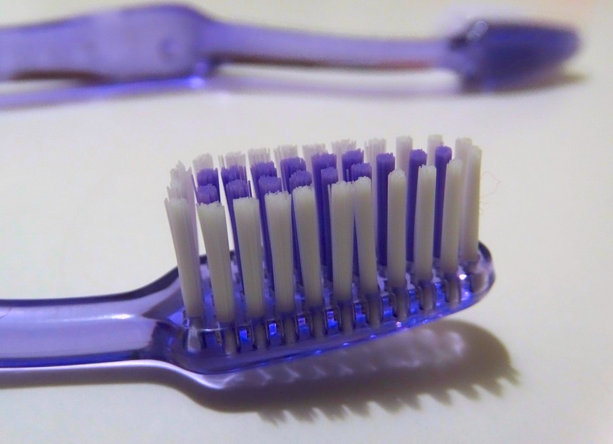 tooth-brushes-592065_960_720.jpg